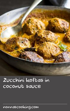 Zucchini koftas in coconut sauce Cooked Rice Recipes, White Rice Recipes, Onion Recipes, Cooking Recipes, Cheese Recipes, Coconut Recipes Indian, Indian Food Recipes, Ethnic Recipes, Side Salad Recipes