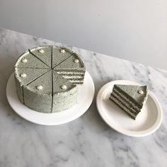#쑥임자케이크 👵🏻 / 07.07 🌵 #todayscake 오늘의 케이크는 - 모카생크림 케이크 - 마틸다케이크 - 쑥임자 케이크 🌿 - 더블초코 블루베리 케이크 - 단호박갸또 🎃 - 얼그레이자몽 케이크 - 인절미갸또 - 유자케이크 - 썸머치즈파이 - 콘 프로마쥬 🌽 - 옛날 버터케이크 🍰 #cake #로맨틱스탠다드