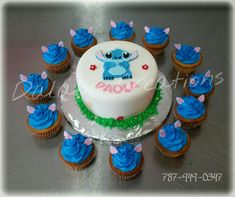 Stitch Birthday Cake Stich From Lilo And Stich Cake With Cupcakes Dalabu Creations Lilo And Stitch Cake, Lilo Y Stitch, Disney Birthday, 1st Birthday Parties, Birthday Cake, Birthday Ideas, Comida Disney, Cupcake Photos, Hawaiian Luau Party