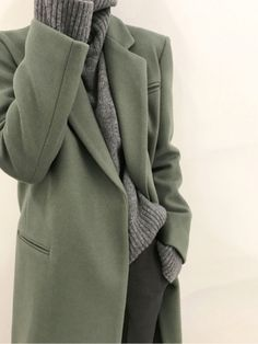 Gris chiné + gris anthracite + vert de gris = le bon mix