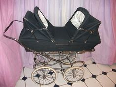 Silver Cross twin Twin Pram, Silver Cross Prams, Vintage Pram, Prams And Pushchairs, Baby Buggy, Dolls Prams, Baby Prams, How To Have Twins, Strollers