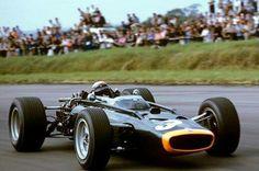 1967 British GP, Silverstone : Jackie Stewart, BRM P83 #3, Owen Racing, Qual. (ph: motorsportm8.com)
