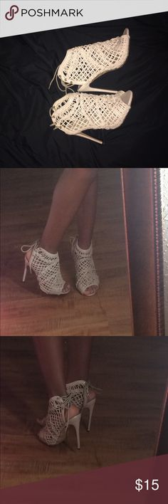 Windsor Open toed heels 👠 It's a cream open toed heels . Worn them once for my birthday in September Windsor Shoes Heels