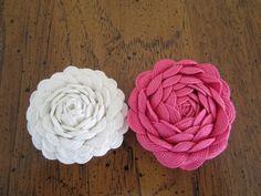 Rick-rack flowers!  So many possibilities!