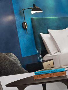 #excll #дизайнинтерьера #решения Каждый этаж этого отеля встретит вас буйством красок, при этом каждый имеет свой доминирующий цвет — синий, бирюзовый, розовый, зеленый и оранжевый.