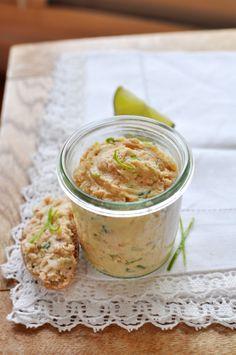 Crémeux de saumon, gingembre et citron vert. Plus de recettes d'apéritifs sur : www.enviedebienmanger.fr