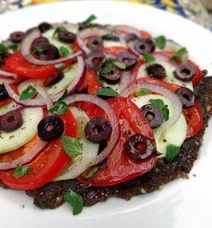 Greekza Pizza: A Grain and Dairy Free Pizza with a meat crust Dairy Free Pizza, Paleo Pizza, Pizza Recipes, Raw Food Recipes, Italian Recipes, Healthy Recipes, Meat Pizza, Paleo Meals, Pizza Dough