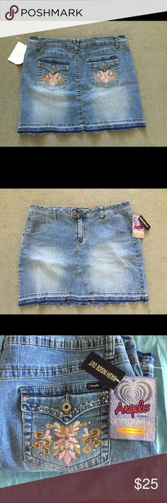 NWT Plus Size Mini Jean Skirt This jean skirt is gorgeous. In great condition. Thanks for looking and feel free to ask any questions😊 Angels Skirts Mini