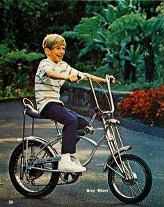1971 Schwinn Stingray 3 Speed. Always wanted this bike.