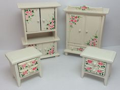 1:12 casa de muñecas Vintage armario mesitas dormitorio muebles pintado flores blanco rosadas miniatura Mini Doll House gratis envío SHV