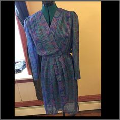 Beautiful patterned dress Fit an xsmall/small. Never worn. Dresses