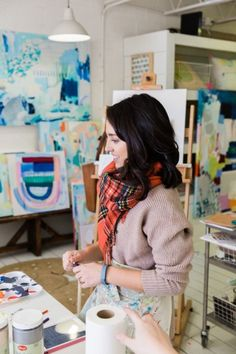 Britt Bass Turner's Studio: http://www.stylemepretty.com/living/2015/02/19/studio-sessions-with-britt-bass-turner/ | Photography: Kathryn McCrary - http://www.kathrynmccrary.com/