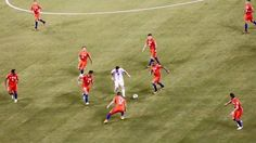 Argentina 0 Chile 0 p) in 2016 in East Rutherford. There are 9 Chile players in this shot and.Lionel Messi in the Final of Copa America. Football Match, Football Fans, Football Shirts, Copa Centenario, Copa America Centenario, Messi Argentina, Soccer Guys, Soccer Players, Messi Vs Ronaldo