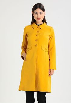 LUISA COAT HEAVY CREPE - Wollmantel klassischer Mantel - honey yellow    Zalando.de 🛒 ed33e69406