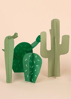 "An easy, quick and free tutorial instructing you to make a DIY ""paper cactus"" to use as a centrepiece or to decorate the house during a boy's Cowboys and Indians themed birthday party. Diy Birthday Decorations, Backdrop Decorations, Backdrops, Cactus Photoshoot, Anniversaire Cow-boy, Decoration Cactus, Paper Cactus, Cactus Cactus, Papier Diy"