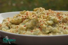 How to make southern soul food style potato salad with eggs, relish, green onion, and celery! Good old fashioned southern potato salad. Well I figure I'd get on here and sh… Potato Recipes, Fish Recipes, Beef Recipes, Salad Recipes, Cooking Recipes, Meatloaf Recipes, Potato Salad With Egg, Easy Potato Salad, Potato Diet