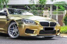 textured-gold-bmw-m6-on-vossen-wheels-front-face