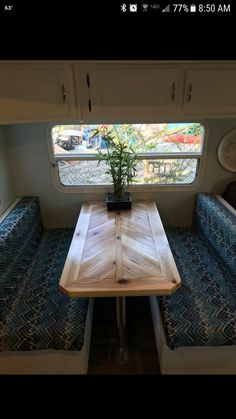 Love this table for the camper dining booth id use wood peel n stick for a lightweight design. Pop Up Tent Trailer, Trailer Decor, Popup Camper, Diy Camper, Camper Interior, Camper Table, Hybrid Camper, Dining Booth, Camping Car