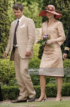 21 June 2006 - Visit to the Nyker Round Church in Rønne, Bornholm Crown Prince Frederik and Crown Princess Mary of Denmark Princesa Mary, Prince Frederik Of Denmark, Danish Royalty, 21 June, Crown Princess Mary, Mary Elizabeth, Fashion Couple, Princesses, Work Wear
