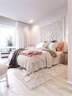 Pale Blush Pink Bedroom | How to Subtly Decorate with the Color Pink
