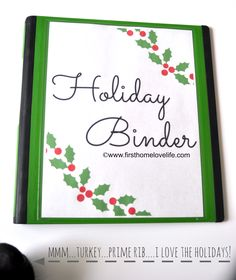 Hey friends! Today I'msharing how I plan to stay organized this holiday season by creating a holiday binder! Like I said on Facebook this past weekend, I don't know about you...but every year when November 1st hits I become insanely busy and always seem like I'm in the midst of chaos.