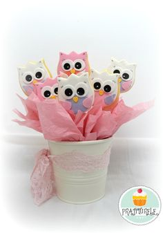 Use a tulip for owls. Making this cookie bouquet