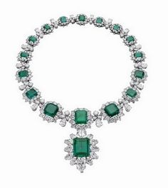 Emeralds and diamonds in platinum- again Elizabeth Taylor's. Oh how sad it was all auctioned off...