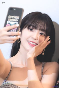 Find images and videos about kpop, red velvet and irene on We Heart It - the app to get lost in what you love. Seulgi, Sooyoung, Yoona, Kpop Girl Groups, Kpop Girls, Korean Girl, Asian Girl, Red Velvet Irene, Red Hair