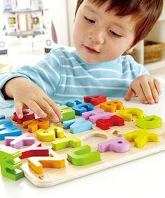 Ideal para aprender el alfabeto y la coordinación con el modo de encastre, este puzzle es súper entretenido y estimula la manipulación de objetos y el razonamiento lógico de los chicos más chicos.