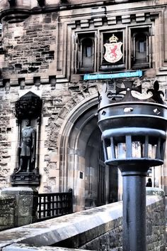 Edinburgh Castle (10+ Pics). I've been there :) The canons were my favorite part.