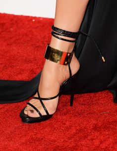 Jennifer Lopez Photos - Singer/actress Jennifer Lopez (shoe detail) arrives at the Annual GRAMMY Awards at Staples Center on February 2013 in Los Angeles, California. - Jennifer Lopez Photos - 10853 of 21917 Stilettos, Pumps, Stiletto Heels, Gold Heels, Shoes Too Big, Crazy Shoes, Jennifer Lopez Feet, Tom Ford Shoes, Shoe Boots