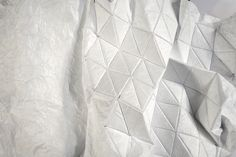 Fold | Unfold - geometric textile design with a flexible faceted surface using stitched tyvek; fabric manipulation // Lene Schendler