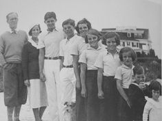 Joe, Rose, Joe Jr., John, Rosemary, Kathleen, Eunice, Pat, Bobby and Jean Kennedy