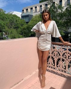Alias Mae Inika Heel in Ivory Leather Summer Outfits, Cute Outfits, High Fashion, Womens Fashion, Street Style, Types Of Fashion Styles, Dress Me Up, Style Inspiration, Photos