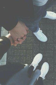 deine Hand in meiner Hand. Was gibt es schöneres als deine Lippen auf meinen, meine Hände an deinem nackten Körper