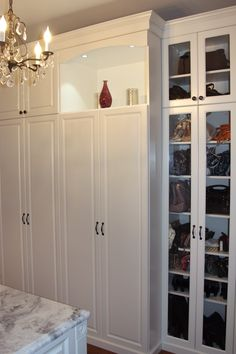Louis, MO, Specializes In Building Custom Closet Organizers And Cabinetry  That Help You Keep Your Rooms Organized.