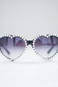 Embellished Sunglasses | 41 Amazing Free People-Inspired DIYs