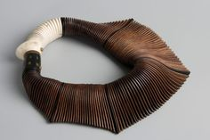 Liv Blavarp of Norway. master woodworker, creating one of a kind sculpture to wear necklaces/collars Ethnic Jewelry, Jewelry Art, Jewelry Accessories, Jewelry Necklaces, Jewelry Design, Silver Jewelry, Paper Jewelry, Girls Jewelry, Beach Jewelry