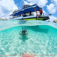 "______________________________________  #indonesiajuara mempersembahkan Provinsi BANGKA BELITUNG ______________________________________  FOTO JUARA HARI INI  @marinaswanti  Pulau ini bernama Batu Berlayar dikarenakan batu-batu granit besar yang berjajar berbentuk layar kapal sehingga pulau ini dinamakan batu berlayar.  Batu-batu disini cukup besar dan bentuknya lonjong keatas. Pulau ini dapat anda kunjungi saat melakukan tour ""hoping island"" yang dapat anda mulai dari pantai Tanjung…"