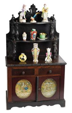 De Kleine Wereld Museum of Lier: 310 French Wooden Buffet with Porcelains