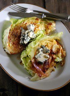 Cabbage and Gorgonzola 焼きキャベツのゴルゴンゾーラのせ