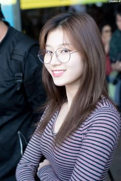 TWICE SANA arrives at Seoul Gimpo International Airport after finishing the Japanese schedule on the afternoon of the Beautiful Girl Image, Beautiful Asian Girls, Pretty Girls, Korean Beauty, Asian Beauty, Shy Shy Shy, Sohee Wonder Girl, Sana Cute, Sana Minatozaki