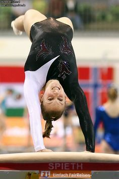 Gymnastics Videos, Gymnastics Photography, Gymnastics Pictures, Sport Gymnastics, Artistic Gymnastics, Olympic Gymnastics, Foto Sport, Carnival Girl, Female Volleyball Players