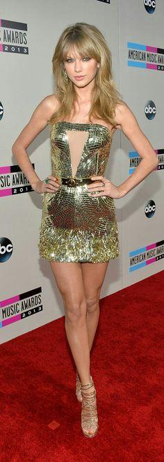 SO STUNNING  2013 American Music Awards #RedCarpet