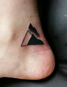New mountain tattoo on my ankle, freshly done!