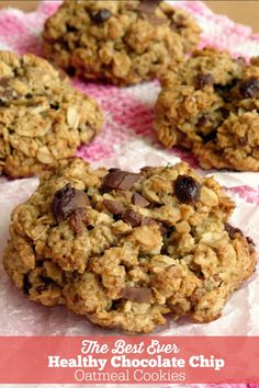 The best ever healthy chocolate chip oatmeal cookies healthy cookie recipes Oatmeal Chocolate Chip Cookie Recipe, Healthy Oatmeal Cookies, Healthy Cookie Recipes, Oatmeal Cookie Recipes, Healthy Baking, Gourmet Recipes, Baking Recipes, Chocolate Chips, Vegan Snacks