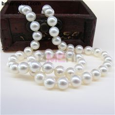 add a pearl necklaces for babiesThe center holes of the Europeanbeads are called bores, which are often in large diameters, so that thebracelet chain can be easily accommodated.The bores of the beads can either be smooth or threaded.visit: www.bmeripearl.com