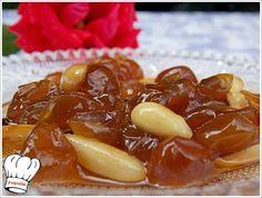 Γλυκό του κουταλιού Σταφύλι μέσα στη γλύκα! ΥΛΙΚΑ 1 κιλο σταφυλι (σταφιδα) τις ρογες 3 1/2 ποτηρια νερου ζαχαρη 1/2 ποτηρι νερο 1 βανιλια 1/2 λεμονι (το χυ