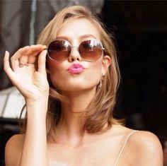 Karlie Kloss x Warby Parker http://www.vogue.fr/mode/mannequins/diaporama/la-semaine-des-tops-sur-instagram-31/19180/image/1011443#!karlie-kloss-x-warby-parker