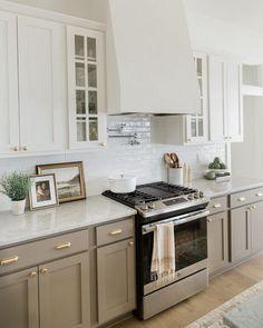 Kitchen - Oakstone Homes Kitchen Dinning, Kitchen Redo, Home Decor Kitchen, Kitchen Interior, New Kitchen, Home Kitchens, Kitchen Remodel, Grey Kitchen Cabinets, Kitchen Cabinet Colors